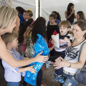 Five Ways to Make Giving a Family Affair This Holiday Season