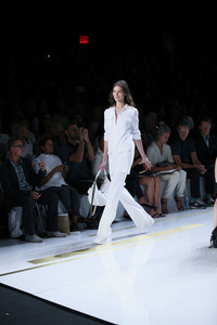 Diane Von Furstenberg goes all out in head-to-toe white for spring and summer. Photo courtesy beautypress.com