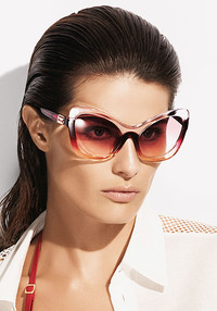 Make a statement this spring in sunglasses inspired by 1950s movie stars. www.laperla.com.