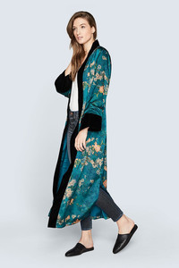 Wrap up a luxury gift of a stylish kimono from Kim and Ono this holiday season. www.kimandono.com.