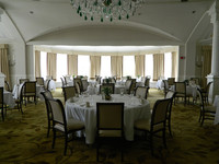 This classic dining room is in the historic Equinox Hotel in Manchester, Vermont. Photo courtesy of Steve Bergsman.
