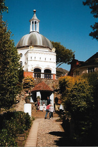 "Portmeirion's Pantheon — or Dome — in Wales was built in 1960-61 to remedy what architect Clough Williams-Ellis called a ""dome deficiency."" Photo courtesy of Sharon Whitley Larsen."