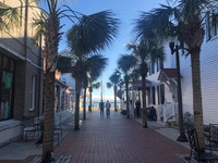 An attractive walkway leads from the main shopping area to the waterfront in Beaufort, South Carolina. Photo courtesy of Bill Neely.