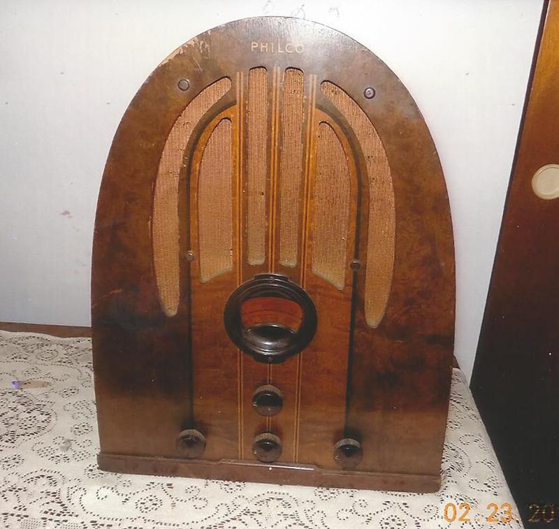 Radio Evokes An Earlier Era By Anne Mccollam Creators