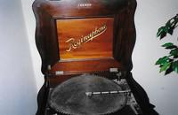 Reginaphone Music Box Company was established in New Jersey by Gustave Bruchhausen.