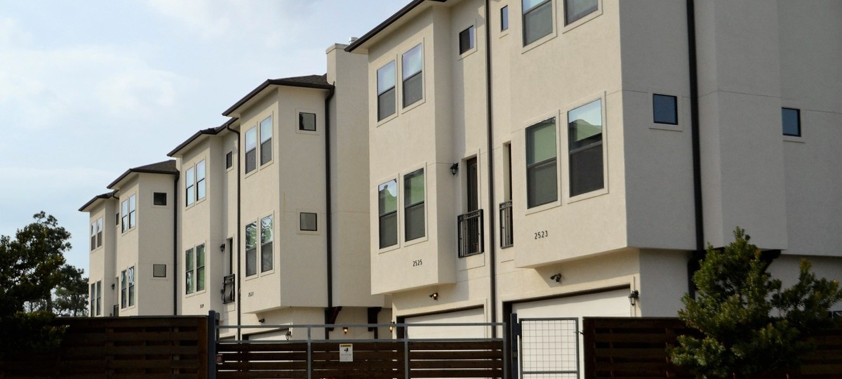DUH: HUD Housing Should Put Americans First
